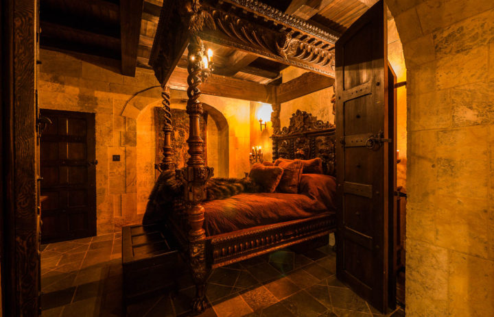 Stone_Hall_Castle_Night-23